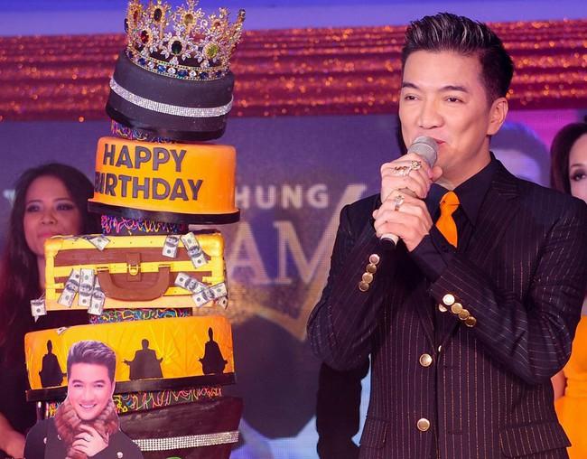 Quà sinh nhật khủng của sao Việt: Đồ hiệu không thiếu, có người còn được tặng hẳn 1 tỷ đồng - Ảnh 10.