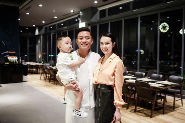 Quà sinh nhật khủng của sao Việt: Đồ hiệu không thiếu, có người còn được tặng hẳn 1 tỷ đồng - Ảnh 5.