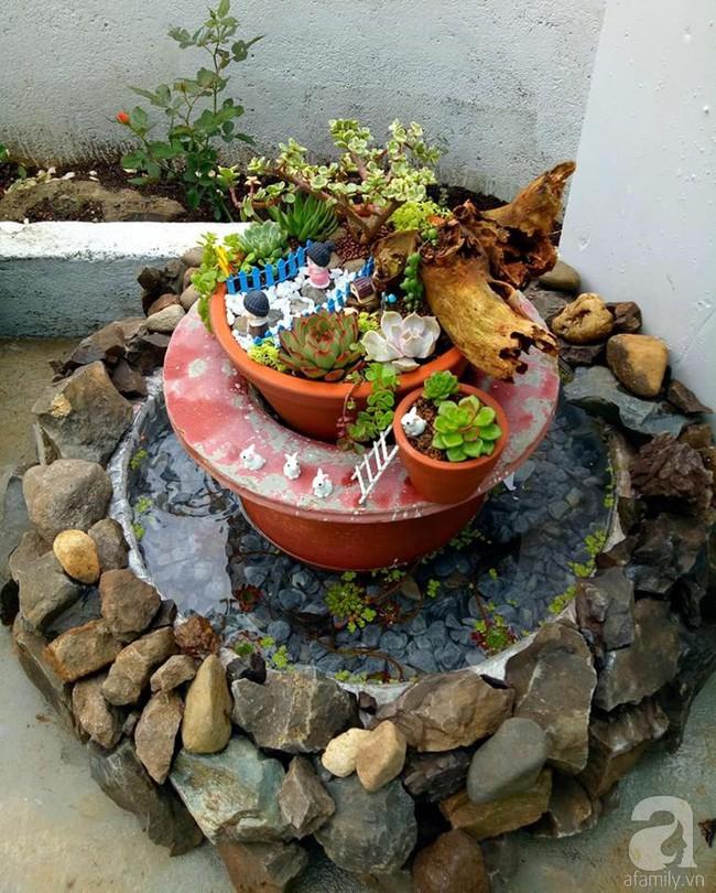 Mẹ bỉm sữa bận rộn chăm con vẫn tạo cả khu vườn sen đá độc đáo từ đồ dùng cũ ở Lâm Đồng - Ảnh 14.
