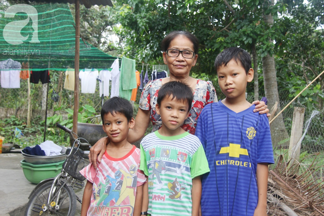 4 đứa trẻ mồ côi cha, ốm trơ xương vì đói ăn bên bà nội già yếu sau khi mẹ bỏ đi lấy chồng mới 18