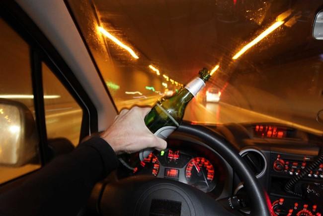Từ vụ việc nữ tài xế lái BMW uống rượu trước khi tông xe liên hoàn và lời cảnh tỉnh của chuyên gia - Ảnh 1.