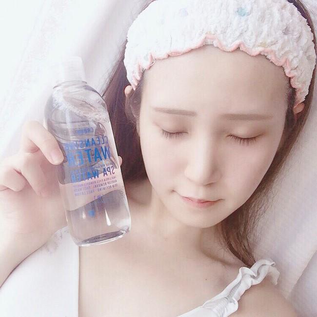 """Đã rẻ lại to và có đến 4 công dụng, đây là loại """"nước thần"""" chăm da đang khiến hội con gái Nhật thích mê - Ảnh 2."""