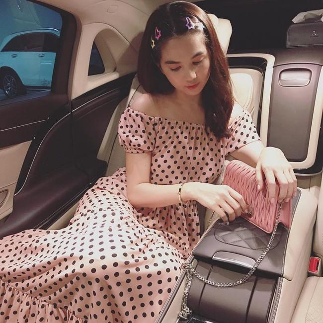 Hàng hiệu nhiều vô kể, nhưng Ngọc Trinh thừa nhận không high fashion và đang theo đuổi phong cách dễ thương với phụ kiện này - Ảnh 4.