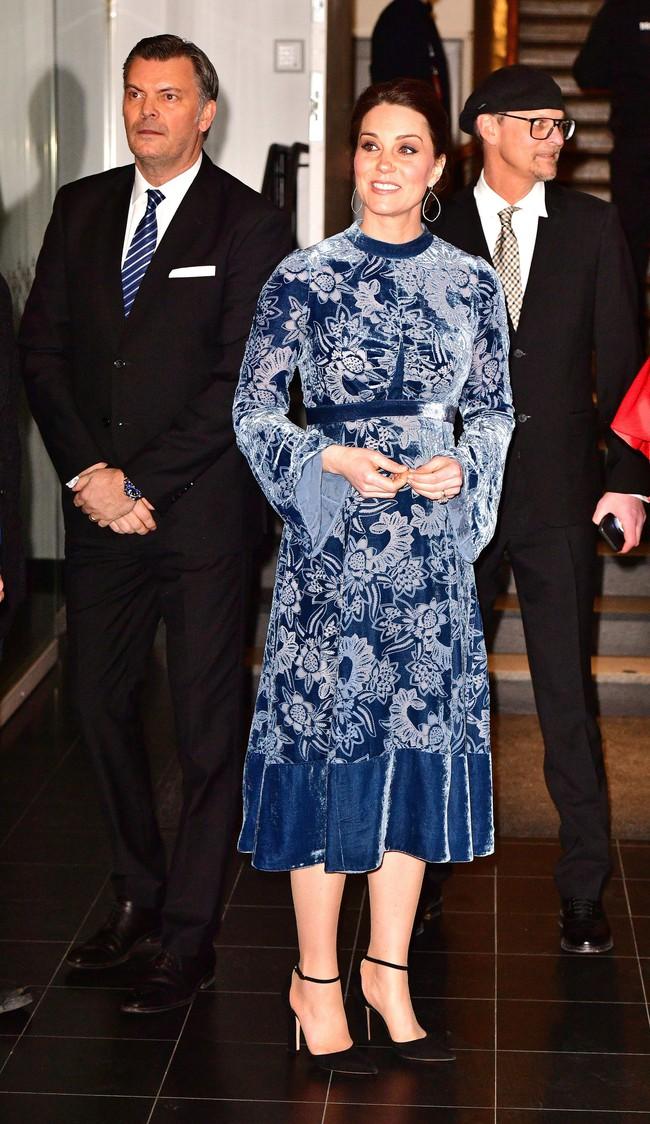 Làm dâu Hoàng gia 7 năm nhưng Công nương Kate chỉ mặc xấu 3 lần, quả là biểu tượng thời trang mới làm được vậy - Ảnh 3.