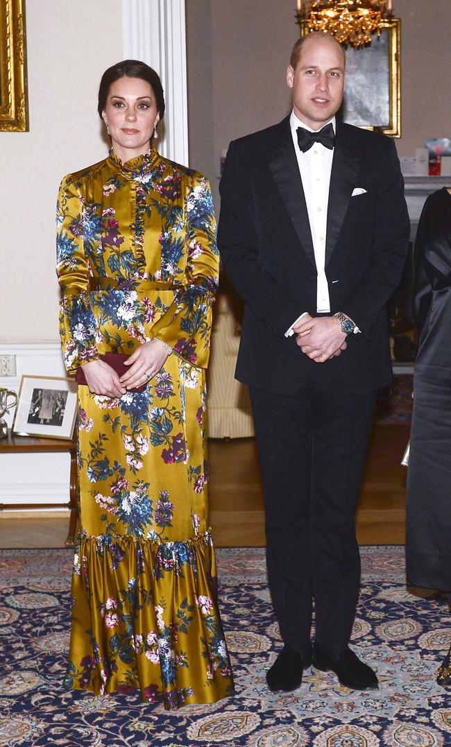 Làm dâu Hoàng gia 7 năm nhưng Công nương Kate chỉ mặc xấu 3 lần, quả là biểu tượng thời trang mới làm được vậy - Ảnh 4.