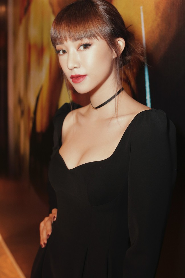 Midu trẻ đẹp như nữ sinh đến chúc mừng bạn thân Trịnh Thăng Bình - Ảnh 9.