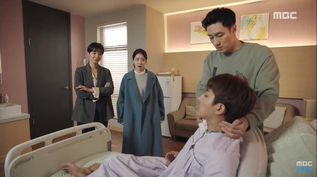 Chăm sóc kẻ thù tận tình như nuôi vợ đẻ, So Ji Sub khiến fan hoang mang: Ai mới là nữ chính? - Ảnh 5.