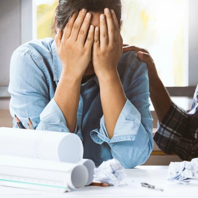 Dấu hiệu cảnh báo bạn đã tiêu tốn quá nhiều thời gian cho mối quan hệ, gây phản tác dụng - Ảnh 1.