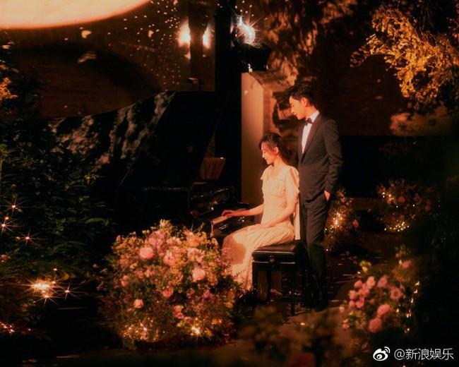 Đường Yên - La Tấn xuất hiện trong khung cảnh đẹp như mơ của tiệc tiền đám cưới - Ảnh 1.