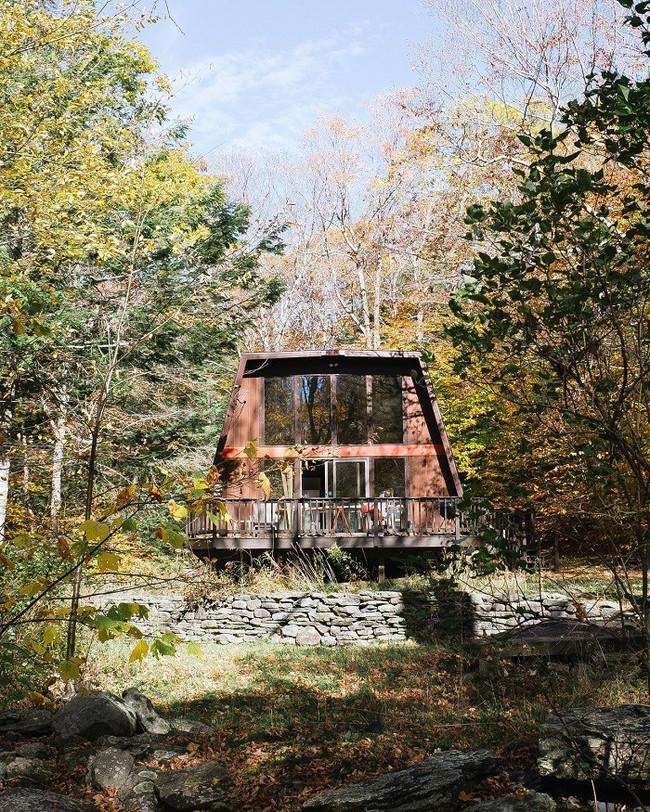7 ngôi nhà nhỏ được cải tạo có thiết kế nội thất hiện đại khác xa với cảnh quan bên ngoài - Ảnh 7.