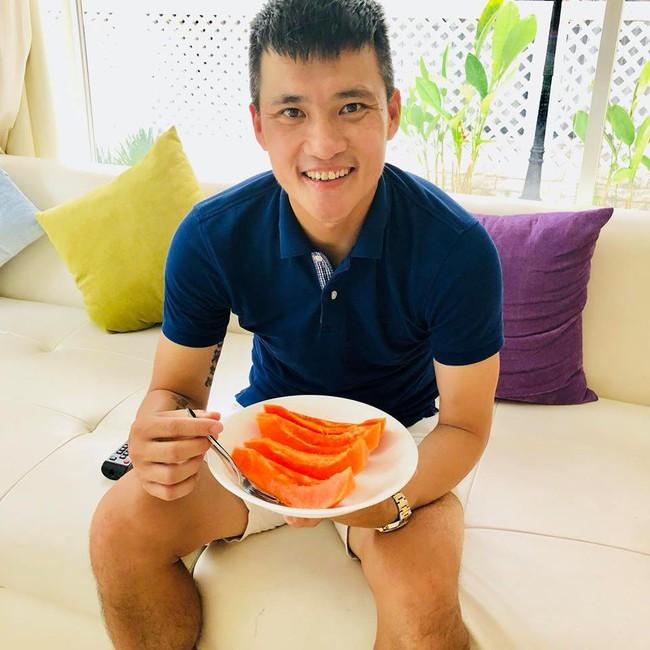 Vợ chồng Công Vinh – Thủy Tiên vui vẻ thu hoạch rau quả sạch trong vườn nhà - Ảnh 7.