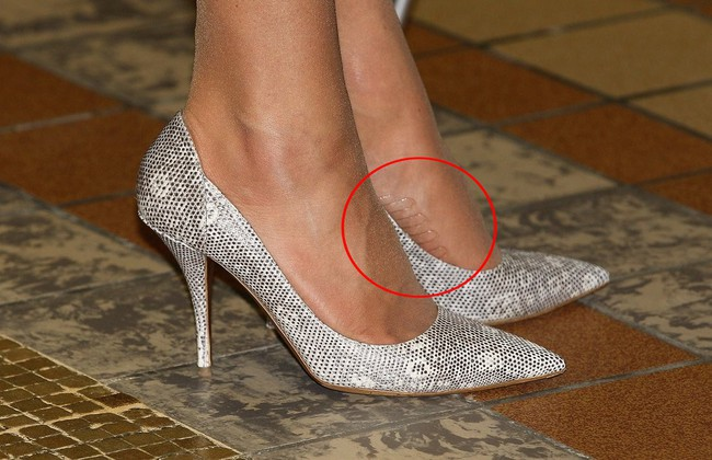 Tinh tế như Công nương Kate: chọn quần tất cũng là nghệ thuật, vừa tự nhiên khó phát hiện lại vừa không lo tuột giày - Ảnh 5.