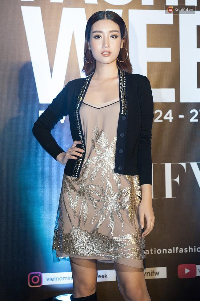 Bình thường lên đồ cũng xinh, mỗi tội cứ đến Fashion Week là Hoa Hậu Mỹ Linh lại mặc linh tinh vì ham... giật giũ - Ảnh 1.