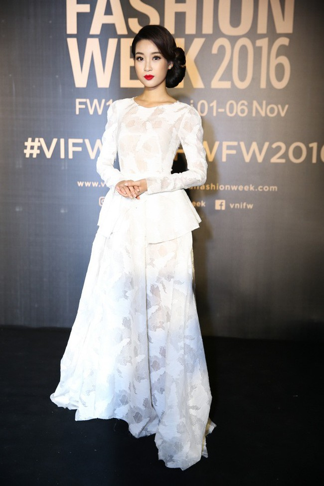 Bình thường lên đồ cũng xinh, mỗi tội cứ đến Fashion Week là Hoa Hậu Mỹ Linh lại mặc linh tinh vì ham... giật giũ - Ảnh 7.