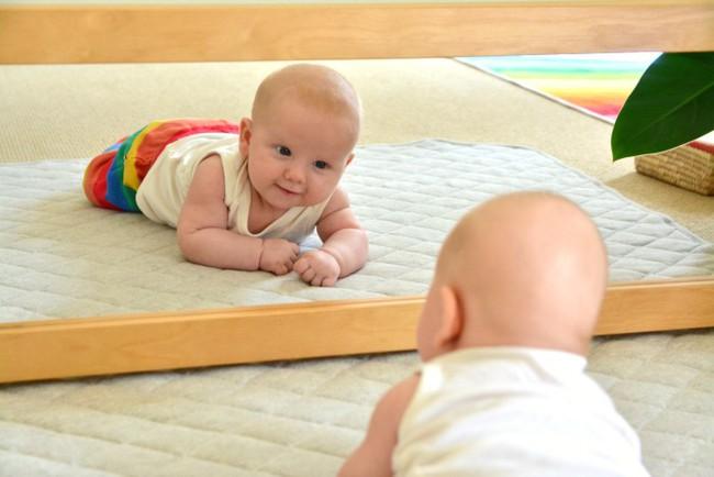 7 dấu hiệu của một em bé thông minh bẩm sinh, xem con bạn có không nhé! - Ảnh 5.