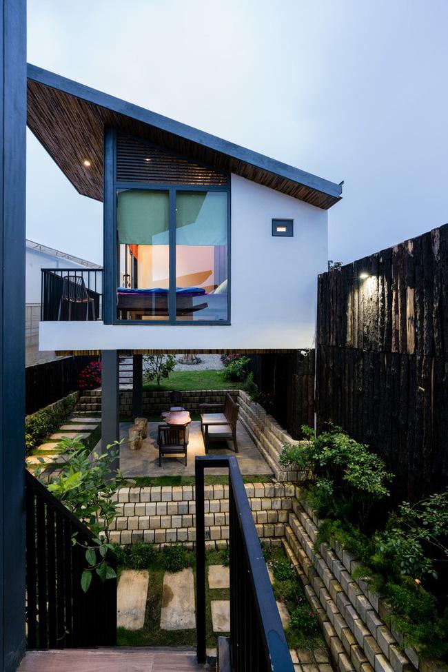 Ngôi nhà xây trên mảnh đất hẹp và dài nhưng tràn ngập cây xanh, ánh nắng đẹp như mơ ở Đà Lạt - Ảnh 5.