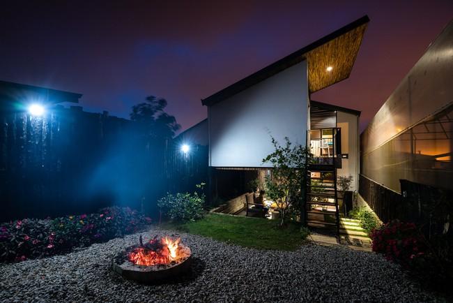 Ngôi nhà xây trên mảnh đất hẹp và dài nhưng tràn ngập cây xanh, ánh nắng đẹp như mơ ở Đà Lạt - Ảnh 8.