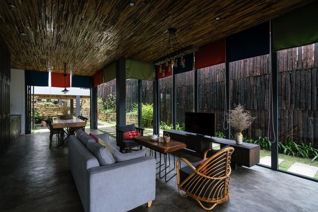 Ngôi nhà xây trên mảnh đất hẹp và dài nhưng tràn ngập cây xanh, ánh nắng đẹp như mơ ở Đà Lạt - Ảnh 9.