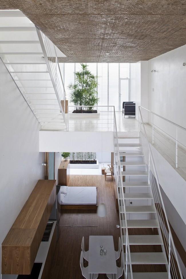 Ngôi nhà tối giản có màu trắng tinh khôi nổi bật trên đường phố Sài Gòn của người phụ nữ 30 tuổi - Ảnh 5.