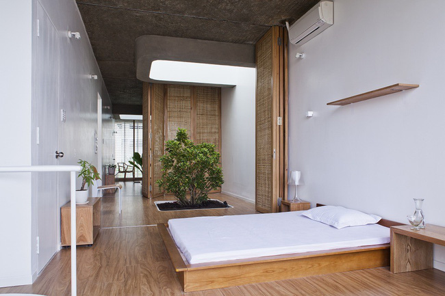 Ngôi nhà tối giản có màu trắng tinh khôi nổi bật trên đường phố Sài Gòn của người phụ nữ 30 tuổi - Ảnh 15.