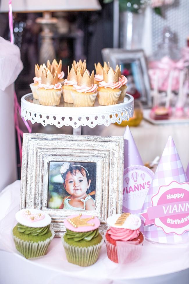 Sau khi tháo sụn mũi vì sợ hoại tử, Lệ Quyên rạng rỡ đi dự sinh nhật con gái Hoa hậu Hà Kiều Anh - Ảnh 11.