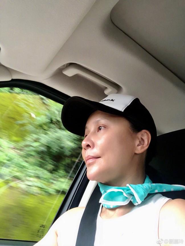 """Đã U55 mà Lưu Gia Linh vẫn sở hữu làn da đẹp khó tin nhờ chu trình dưỡng da """"tối giản gần 60 triệu đồng - Ảnh 3."""