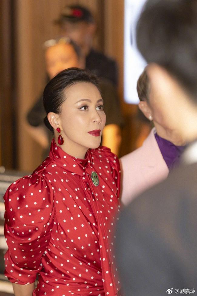"""Đã U55 mà Lưu Gia Linh vẫn sở hữu làn da đẹp khó tin nhờ chu trình dưỡng da """"tối giản gần 60 triệu đồng - Ảnh 2."""