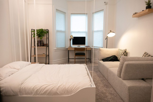 Hệ thống đồ nội thất thông minh tạo thêm không gian cho nhà nhỏ chỉ với một nút bấm khiến ai cũng phải mắt tròn mắt dẹt - Ảnh 4.