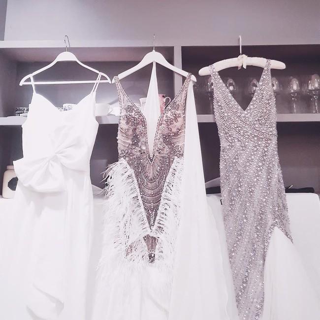 Lan Khuê thay đồ cưới liên tục như chạy show thời trang, có bộ đính 10.000 viên pha lê tốn 2 tháng thực hiện - Ảnh 1.