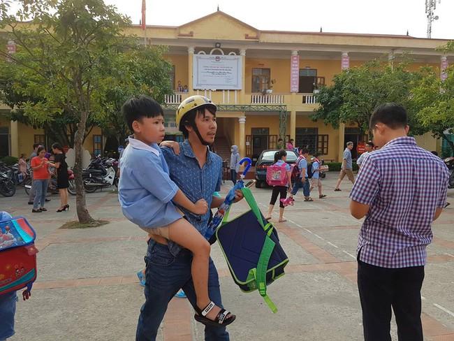 Vụ hàng trăm học sinh ở Ninh Bình nghi ngộ độc: Ruốc gà có mùi kinh lắm con không ăn - Ảnh 6.