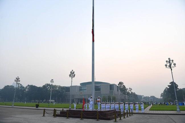 [CẬP NHẬT] Lễ thượng cờ rủ Quốc tang cố Tổng Bí thư Đỗ Mười - Ảnh 13.