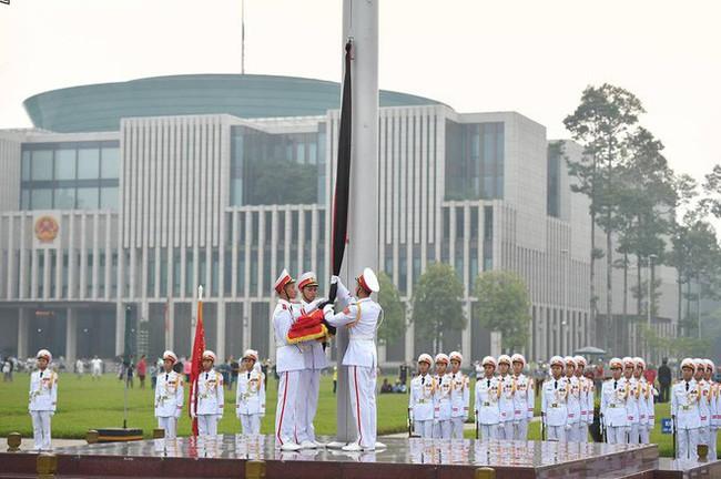 [CẬP NHẬT] Lễ thượng cờ rủ Quốc tang cố Tổng Bí thư Đỗ Mười - Ảnh 8.