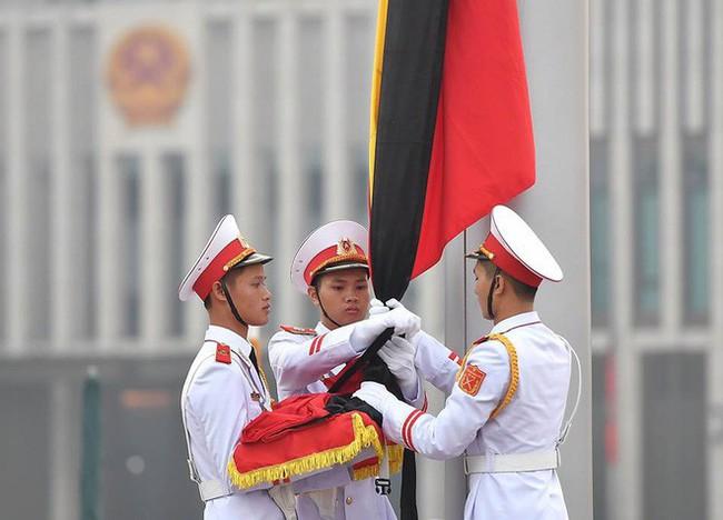 [CẬP NHẬT] Lễ thượng cờ rủ Quốc tang cố Tổng Bí thư Đỗ Mười - Ảnh 10.