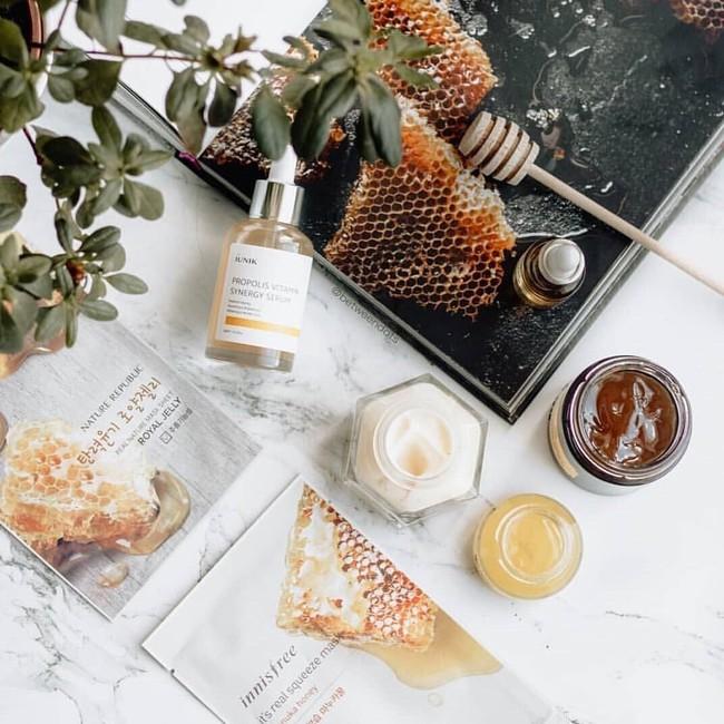 Keo ong - thành phần trị mụn hot hit và 6 sản phẩm chứa keo ong trị sạch mụn, giảm dầu thừa không thử tiếc cả đời - Ảnh 4.