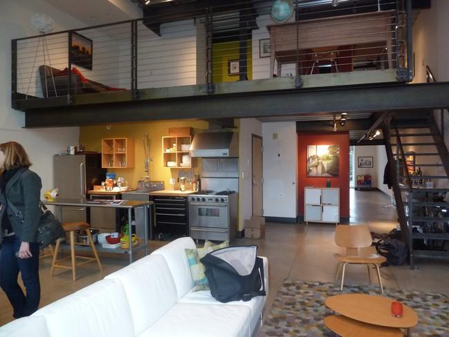 Mỗi căn một kiểu nhưng sau cải tạo, 2 phòng bếp này đều đẹp và tiện dụng đến bất ngờ  - Ảnh 5.