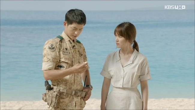 Có tâm như Khả Ngân: Đóng phim remake là cũng diện luôn trang phục giống Song Hye Kyo cho vẹn toàn - Ảnh 1.