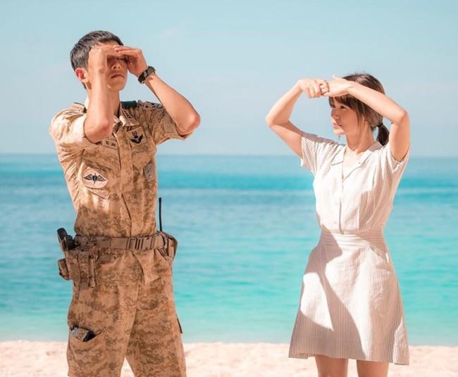 Có tâm như Khả Ngân: Đóng phim remake là cũng diện luôn trang phục giống Song Hye Kyo cho vẹn toàn - Ảnh 3.