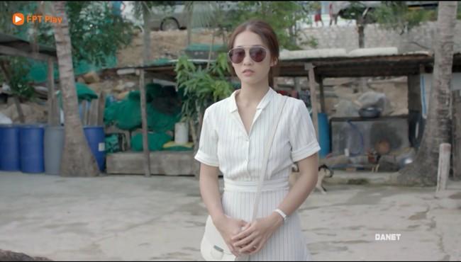 Có tâm như Khả Ngân: Đóng phim remake là cũng diện luôn trang phục giống Song Hye Kyo cho vẹn toàn - Ảnh 4.