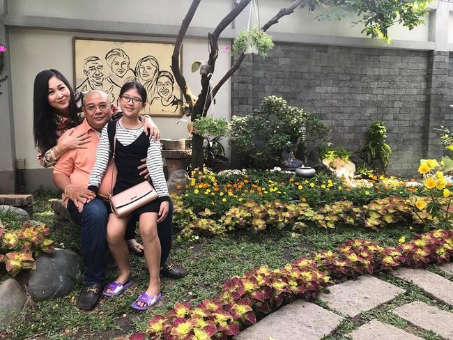Ngắm vườn rau sạch và hoa tươi vô cùng bình yên của vợ chồng nghệ sĩ Hồng Vân và Lê Tuấn Anh - Ảnh 3.