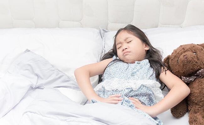 Con gái 7 tuổi bỗng đau bụng dữ dội, mẹ càng sốc hơn khi biết con bị bệnh ung thư tưởng chỉ phụ nữ trưởng thành mới mắc - Ảnh 4.