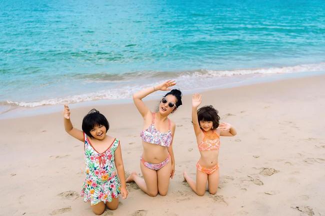 42 tuổi, danh hài Thúy Nga vẫn tự tin diện bikini khoe dáng sexy trên bãi biển - Ảnh 4.