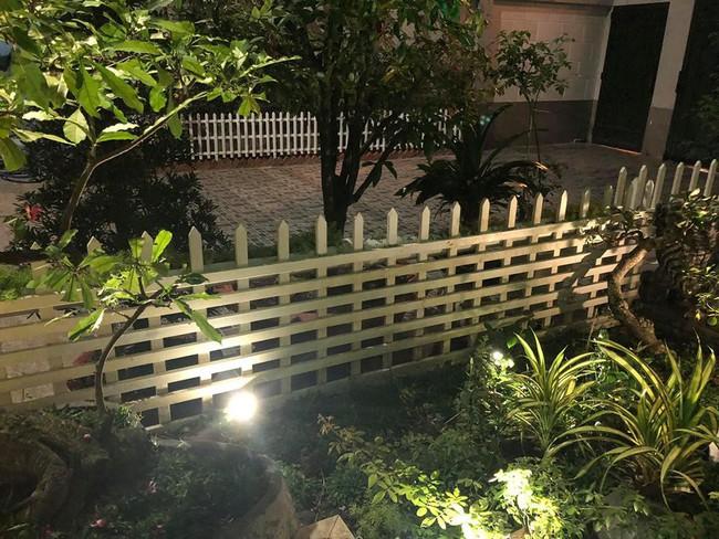 Ngắm vườn rau sạch và hoa tươi vô cùng bình yên của vợ chồng nghệ sĩ Hồng Vân và Lê Tuấn Anh - Ảnh 12.