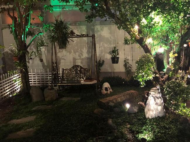 Ngắm vườn rau sạch và hoa tươi vô cùng bình yên của vợ chồng nghệ sĩ Hồng Vân và Lê Tuấn Anh - Ảnh 11.