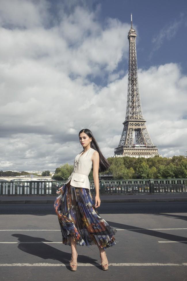 Choáng ngợp trước vẻ đẹp xuất thần của Hoa hậu Tiểu Vy trên đất Pháp sau sự kiện Vinfast - Ảnh 8.