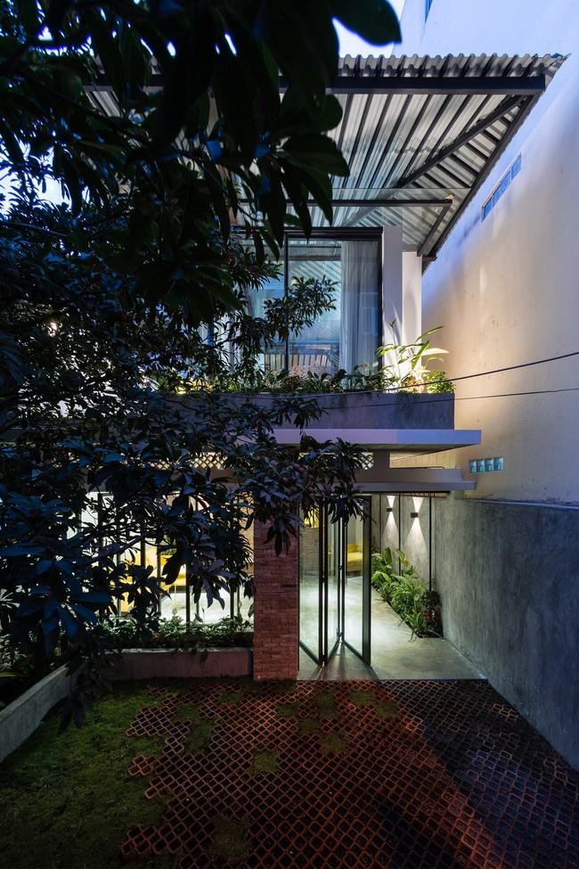 Ngôi nhà cấp 4 hóa biệt thự sân vườn đẹp thuyết phục tại Sài Gòn - Ảnh 3.