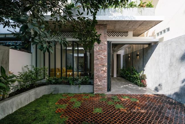Ngôi nhà cấp 4 hóa biệt thự sân vườn đẹp thuyết phục tại Sài Gòn - Ảnh 5.