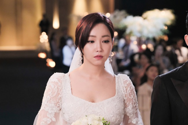 Cỗ cưới còn chưa xong, hành động của họ hàng chú rể đã khiến cô dâu muối mặt với khách mời nhà gái - Ảnh 2.