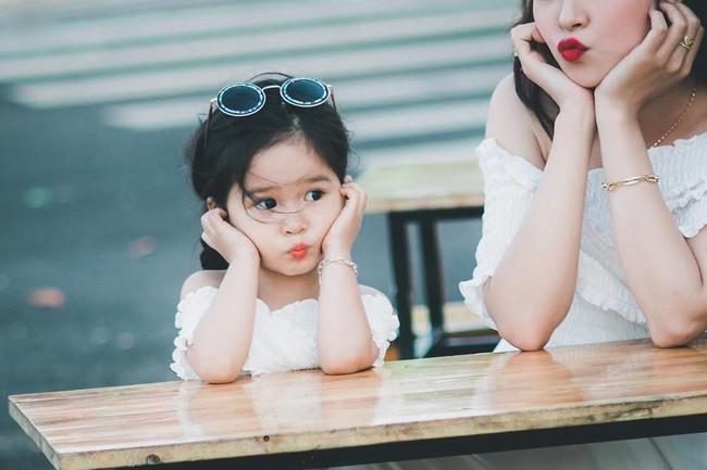 Nếu con thường xuyên có 4 hành vi này, phụ huynh hãy mở tiệc ăn mừng vì trẻ yêu mẹ vô cùng - Ảnh 4.