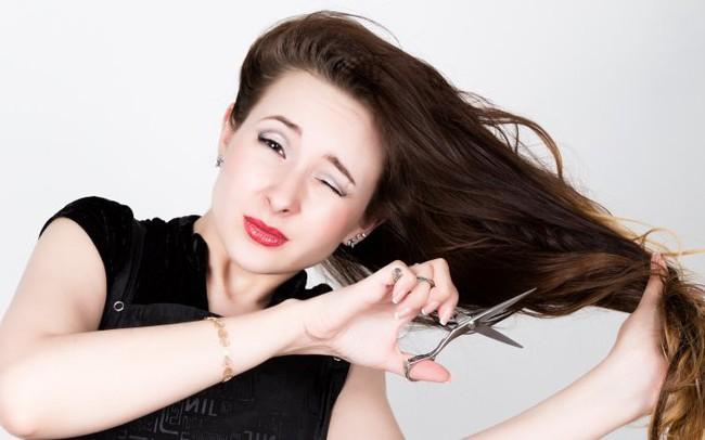 7 mẹo nhỏ giúp chị em tạo kiểu tóc vừa xinh lại còn ăn gian được vài tuổi - Ảnh 5.