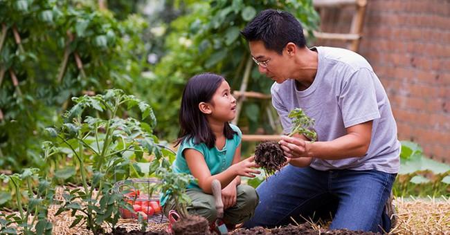 Để nuôi dạy con trở thành người mạnh mẽ, thành công, cha mẹ thông thái sẽ không bao giờ làm 13 việc này - Ảnh 4.